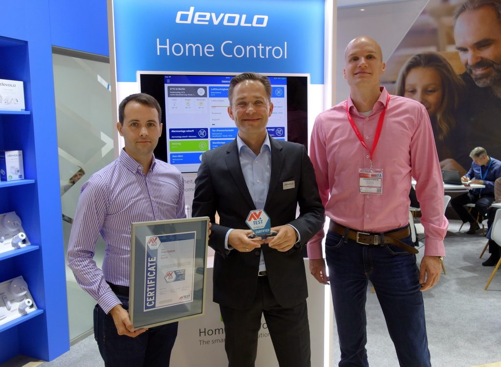 The security promise of Devolo's IoT products will be underpinned by the AV-TEST certificate this year again. Marcel Schüll, Public Relations Manager at devolo AG, receives the certificate.