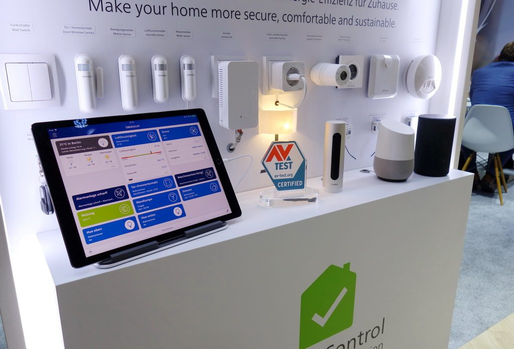 Customers indentify secure IoT and Smart Home products on the AV-TEST seal for IoT-certified security.